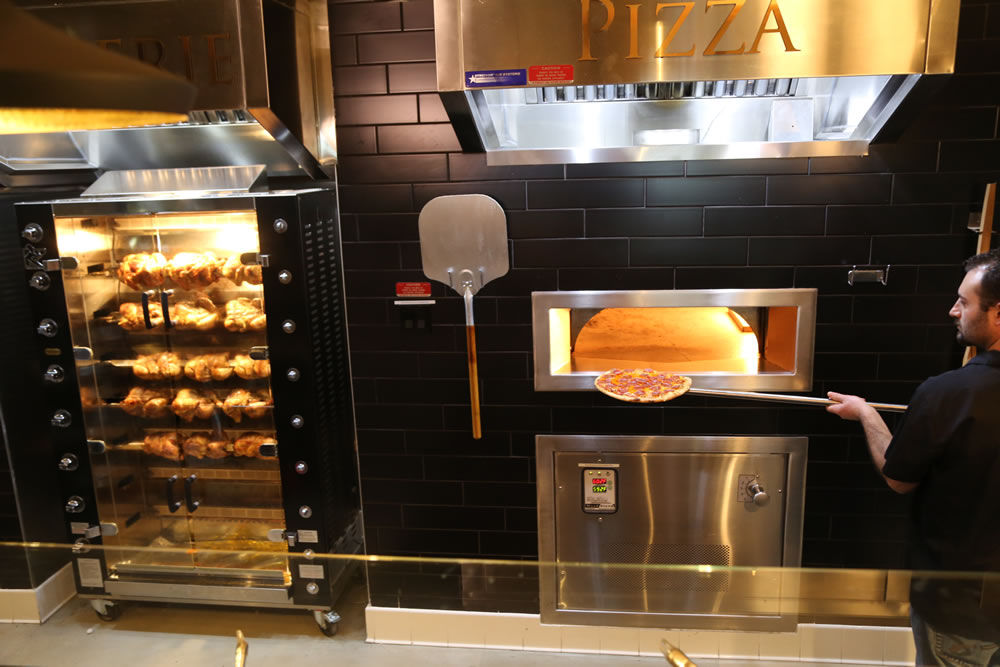 Fortun's Kitchen + Bar - Pizza Oven Paddle